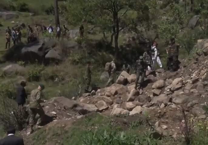 300 militants killed in Balakot airstrike, former Pakistani official finally confesses   बालाकोट एअरस्ट्राइकमध्ये मारले गेले ३०० दहशतवादी, पाकिस्तानच्या माजी अधिकाऱ्याने अखेर दिली कबुली