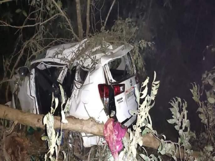 Breaking News :Union Minister Shripad Naik's car crashed, his wife died and Naik was seriously injured | Breaking News :केंद्रीय मंत्री श्रीपाद नाईक यांच्या कारला भीषण अपघात, पत्नीचा मृत्यू, नाईक गंभीर जखमी
