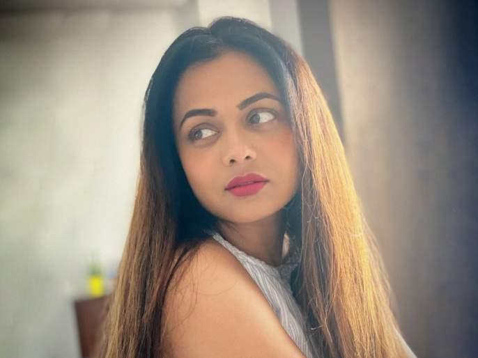 Actress prathna behre shared a glamorous photo on social media   अभिनेत्री प्रार्थना बेहरेनं शेअर केला ग्लॅमरस फोटो, पाहून तिच्या अदा चाहते झाले फिदा