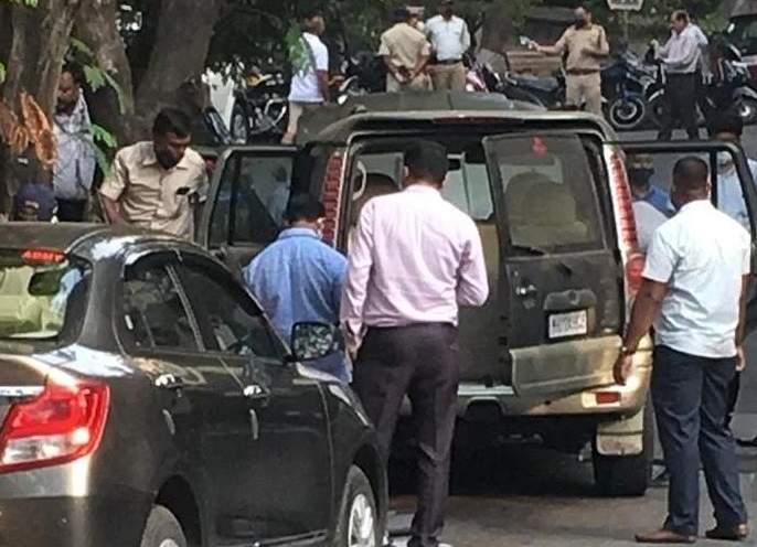 Gelatin found outside Mukesh Ambani's house in Nagpur company; Shocking information revealed   अंबानींच्या घराबाहेर सापडलेल्या स्फोटकांचं नागपूर कनेक्शन, जाणून घ्या नेमकं काय आहे प्रकरण?