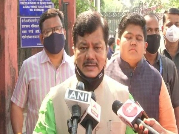 Who is Raj's father? Another MLA from the ruling party is targeted by the BJP | राजचा बाप कोण? सत्ताधारी पक्षातील अजून एक आमदार भाजपाच्या निशाण्यावर