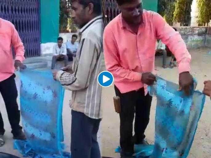 Man made a rope made of old saree piece stuck in a machine and in minutes made a rope see video | याला म्हणतात डोकं! पठ्ठ्यानं जुन्या साडीपासून २ मिनिटात बनवली लांबच लांब दोरी; पाहा व्हिडीओ