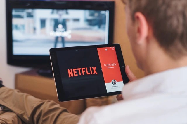 Sharing and using friends' Netflix account no longer allowed? - Lokmat