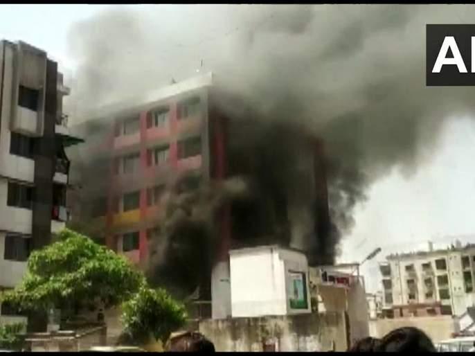 ahmedabad school fire 4 students stuck inside 10 fire brigade on spot   Ahmedabad Fire : शाळेच्या इमारतीला भीषण आग, 4 विद्यार्थी अडकल्याची भीती