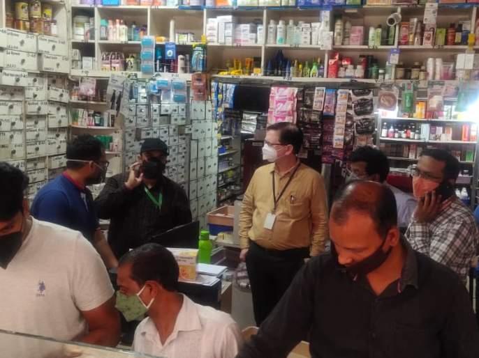 To curb the black market of remedicivir at the collector ground, visit the medical and check the data | रेमडेसिविरचा काळाबाजार रोखण्यासाठी कलेक्टर ग्राऊंडवर, मेडिकलला भेट देऊन तपासला डाटा