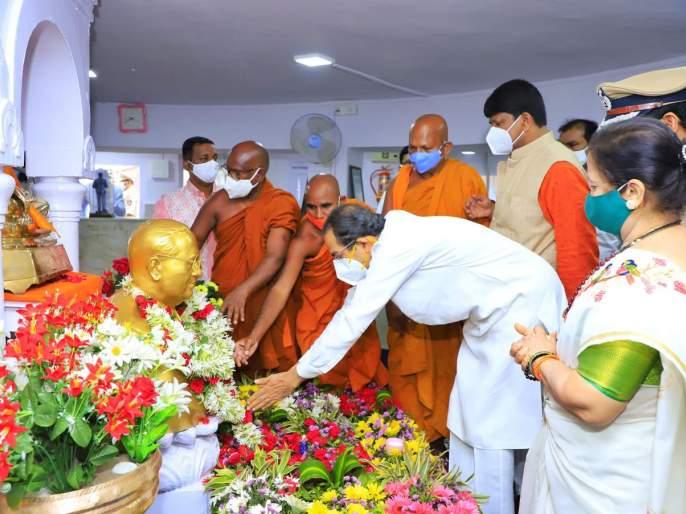 Maha Vikas Aghadi Government Babasaheb's thoughts - Chief Minister Uddhav Thackeray | महाविकास आघाडी सरकार बाबासाहेबांच्या विचारांचे - मुख्यमंत्री उद्धव ठाकरे