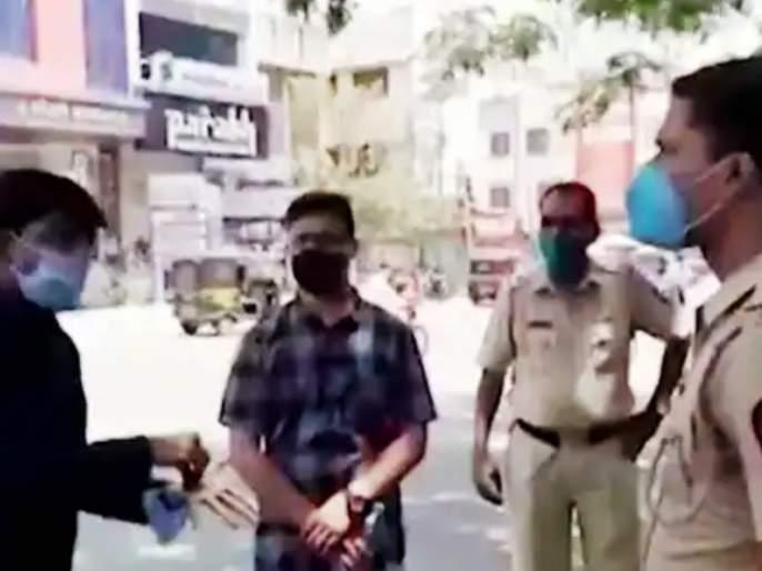 Relatives' vehicle blocked during curfew; BJP MLA Prashant Bamb had an argument with the police   संचारबंदीदरम्याननातेवाईकाची गाडी अडवली; भाजपा आमदार प्रशांत बंब यांनी घातला पोलिसांशी वाद