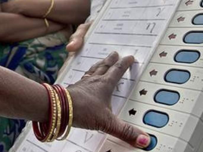 Maharashtra Election 2019 : In Nanded district female voters will be decide who will win | नांदेड जिल्ह्यात महिला मतदार ठरणार निर्णायक