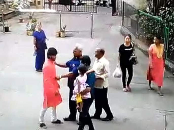 Marathi - Amarathi controversy! Hit between two due to minor causes of lift; Filed complaints at the police station | मराठी - अमराठी वाद! लिफ्टच्या क्षुल्लक कारणावरून दोघांत मारहाण; पोलीस ठाण्यात तक्रार दाखल