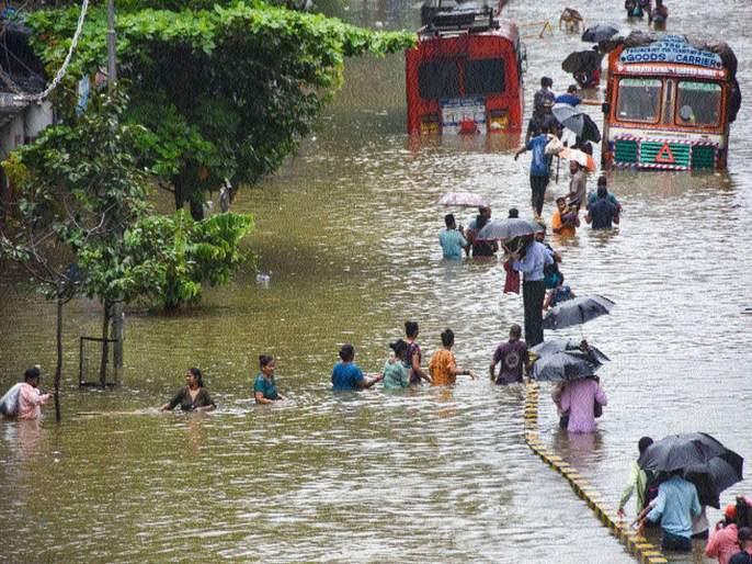A month's worth of rain in just twelve hours; Mumbaikars are blown away | अवघ्या बारा तासांत महिनाभराचापाऊस; मुंबईकरांची उडाली दाणादाण