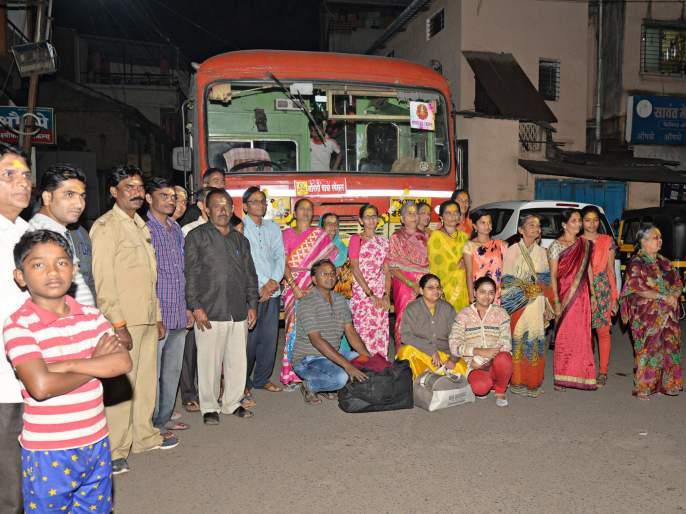 Umm Devotees leave for beauty tour to Renukadevi | उदं गं आई उदं...! रेणुकादेवीच्या यात्रेसाठी भाविक सौंदत्तीला रवाना