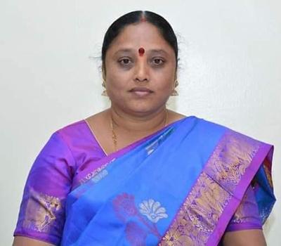 Shrikanchana Yannam, BJP's mayor of Solapur Municipal Corporation   सोलापूर महापालिकेच्या महापौरपदी भाजपच्या श्रीकांचना यन्नम