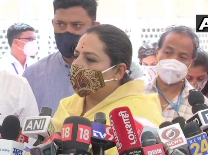congress leader yashomati thakur asked why bjp leaders keep their mouth shut on hathras rape case | हाथरस प्रकरणावेळी भाजपचे नेते गप्प का होते; यशोमती ठाकूर यांचा थेट सवाल