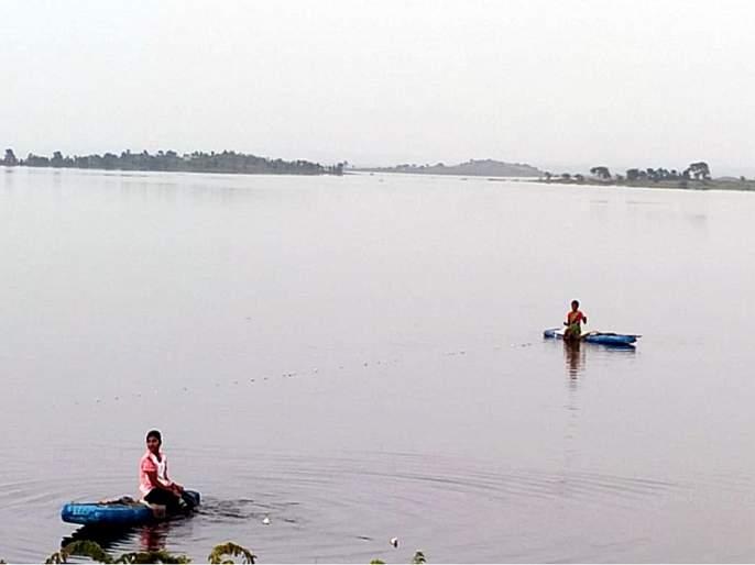 Nandedkar escapes the waters of Yeldari Dam; 60 tmc water was released when there was no demand | नांदेडकरांनी पळविले येलदरीचे पाणी; मागणी नसताना ६० दलघमी पाणी सोडले