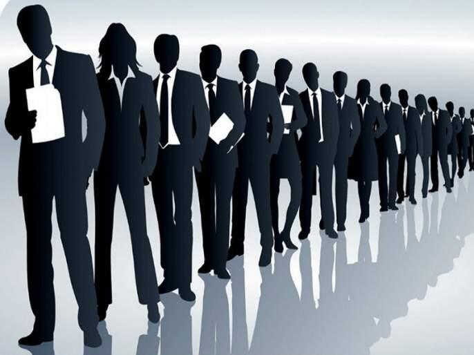 Continuous extension of recruitment; Unemployed youth forces are increasing in Marathwada | नोकर भरतीला सतत मुदतवाढ; मराठवाड्यात वाढताहेत बेरोजगार तरुणांच्या फौजा
