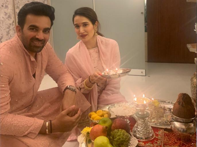 Zaheer Khan worships Diwali; So the fans said, Kafir ...   झहीर खानने केली दिवाळीला पूजा; तर चाहते म्हणाले, काफिर...