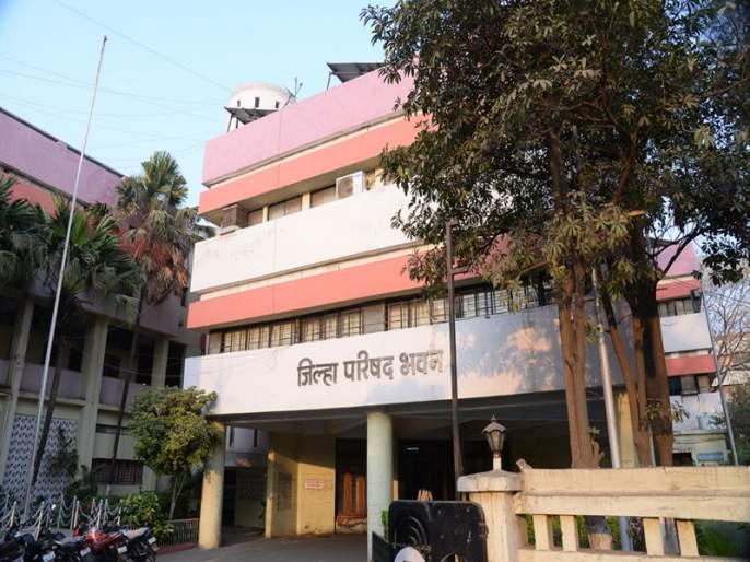 Jalgaon Zip Water Supply Department officials stopped salary? | जळगाव जि.प.पाणीपुरवठा विभागाच्या अधिकाऱ्यांचे पगार थांबविले?