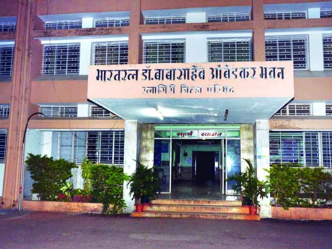 As the chairmanship of Ratnagiri Zilla Parishad opened, the number of aspirants increased | रत्नागिरी जिल्हा परिषदेचे अध्यक्षपद खुले - इच्छुकांची खुर्चीसाठी होणार चुरस