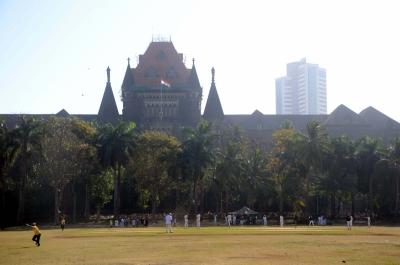 Bombay HC refuses to quash CBI's FIR on Anil Deshmukh | Bombay HC refuses to quash CBI's FIR on Anil Deshmukh