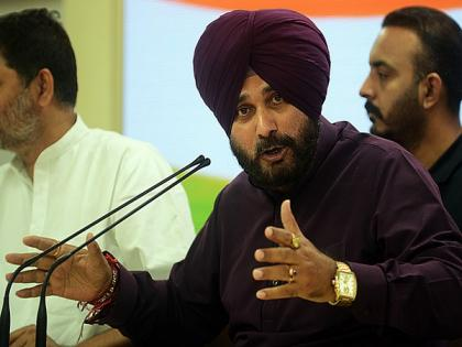 Fighting for justice, says Navjot Singh Sidhu as he hits back at Amarinder Singh   Fighting for justice, says Navjot Singh Sidhu as he hits back at Amarinder Singh