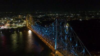Howrah Bridge dazzles in Olympic colours   Howrah Bridge dazzles in Olympic colours