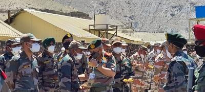 General Bipin Rawat visits forward areas along LAC in Himachal   General Bipin Rawat visits forward areas along LAC in Himachal