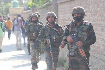 2 soldiers, 2 terrorists killed as infiltration bid foiled in J&K | 2 soldiers, 2 terrorists killed as infiltration bid foiled in J&K