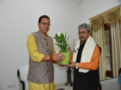 Uttarakhand CM meets BL Santhosh, Uttarakhand BJP in charge Dushyant Gautam | Uttarakhand CM meets BL Santhosh, Uttarakhand BJP in charge Dushyant Gautam