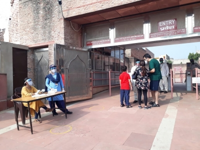 Year after the pandemic hit, Agra limps back to normalcy   Year after the pandemic hit, Agra limps back to normalcy