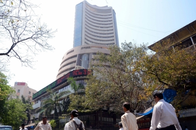 Equity indices in green, Sensex up 300 points | Equity indices in green, Sensex up 300 points