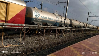 'Doodh Duronto' from Andhra brought 10 cr lt milk to Delhi | 'Doodh Duronto' from Andhra brought 10 cr lt milk to Delhi