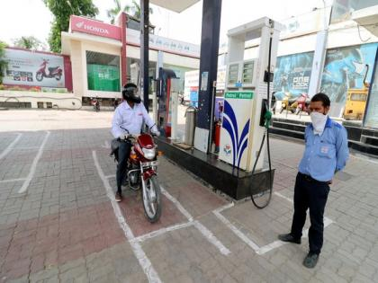 Petrol, diesel prices hiked for second consecutive day | Petrol, diesel prices hiked for second consecutive day