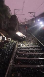 Boulders, slush halt Central Railway in Nashik-Pune sections | Boulders, slush halt Central Railway in Nashik-Pune sections