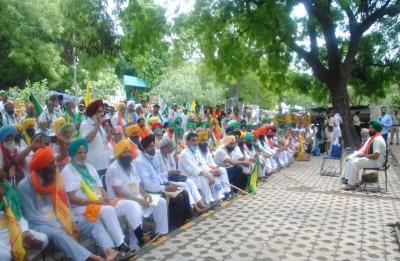 Kisan Sansad: Farmers plan to carry on protest till Aug 13   Kisan Sansad: Farmers plan to carry on protest till Aug 13