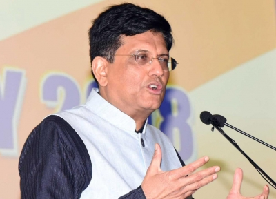 Goyal stresses on manufacturing high quality containers in India | Goyal stresses on manufacturing high quality containers in India