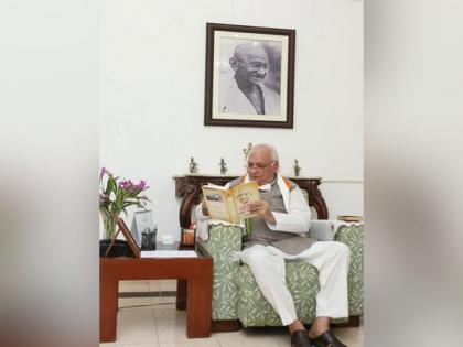 Kerala Governor begins protest fast against dowry | Kerala Governor begins protest fast against dowry