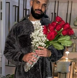 Drake breaks MJ, Beatles' record on Billboard Hot 100, creates history   Drake breaks MJ, Beatles' record on Billboard Hot 100, creates history