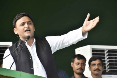 Akhilesh asks party cadre to list officials who have been 'partial' | Akhilesh asks party cadre to list officials who have been 'partial'