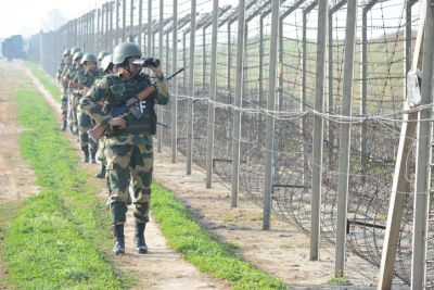BSF tightens security along IB after spike in infiltration attempts from PoK | BSF tightens security along IB after spike in infiltration attempts from PoK