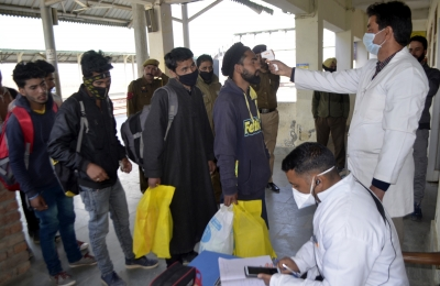 With 210 new Covid cases, J&K sees highest spike of year | With 210 new Covid cases, J&K sees highest spike of year