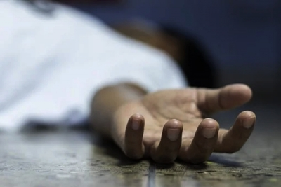 Teen found hanging from railing of bridge in UP   Teen found hanging from railing of bridge in UP