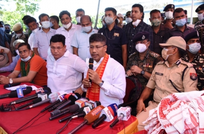 23 Bodo militants, including top leaders, surrender in Assam   23 Bodo militants, including top leaders, surrender in Assam