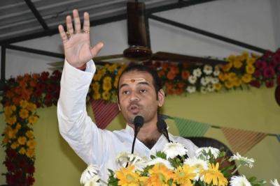 Tej Pratap duped of Rs 71K by company staff, complaint lodged   Tej Pratap duped of Rs 71K by company staff, complaint lodged