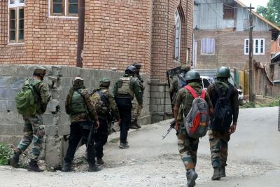 2 terrorists killed in Kashmir encounter | 2 terrorists killed in Kashmir encounter