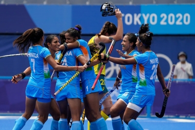 Olympics hockey: Indian women make historic entry into semis, to meet Argentina next (2nd lead) | Olympics hockey: Indian women make historic entry into semis, to meet Argentina next (2nd lead)