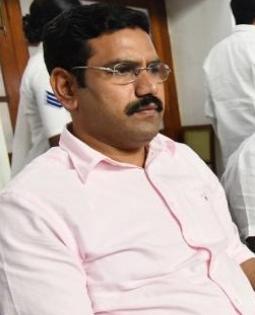 Yediyurappa's son Vijayendra loses out on K'taka cabinet berth | Yediyurappa's son Vijayendra loses out on K'taka cabinet berth