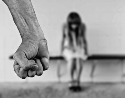 Kerala lady complains of atrocities by live-in partner   Kerala lady complains of atrocities by live-in partner
