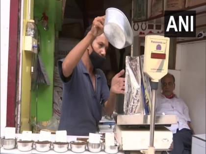 Sellers of tea in Assam's Guwahati face economic hardships due to pandemic, floods   Sellers of tea in Assam's Guwahati face economic hardships due to pandemic, floods