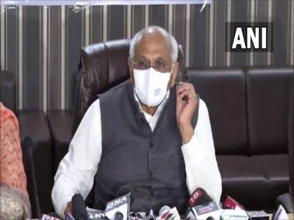 Gujarat cabinet swearing-in: Nitin Patel likely to be dropped, youngsters to be included | Gujarat cabinet swearing-in: Nitin Patel likely to be dropped, youngsters to be included