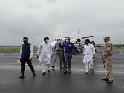 Uddhav Thackeray visits flood-affected areas of Sangli   Uddhav Thackeray visits flood-affected areas of Sangli